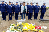 苏州、常德两地消防指战员为刘磊烈士扫墓