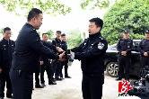 警棍、催泪喷射器…湘乡300驻村辅警配发新装备