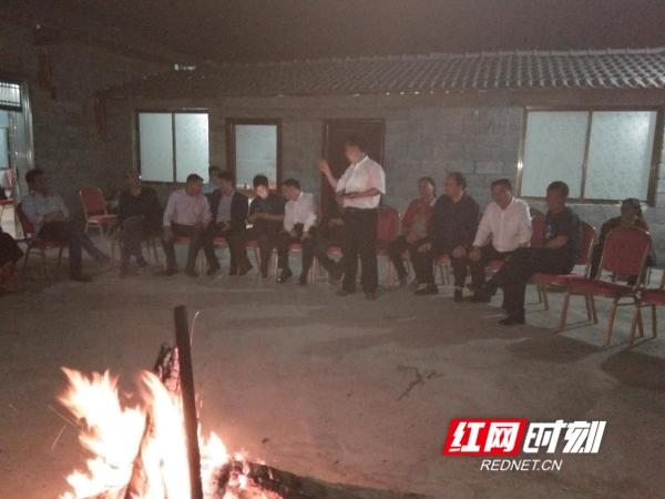 """江华作协举行""""春到石榴湾""""文友品诗会"""