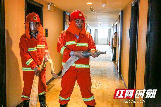 【平安消防】张家界消防开展酒店宣传培训迎接旅游旺季