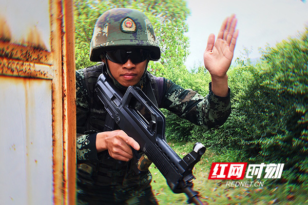 武警湖南总队特战小队驻训开展如火如荼