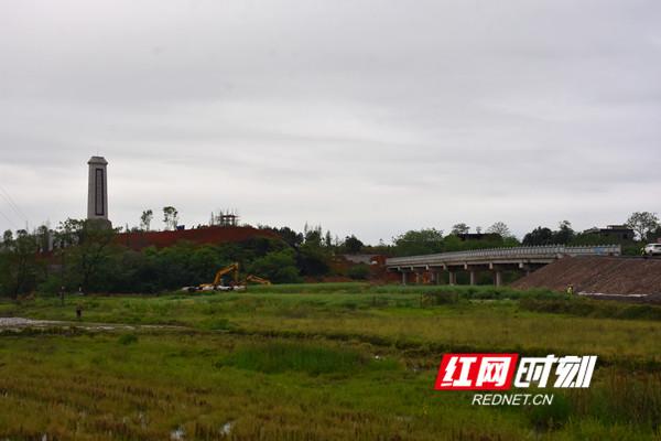 建设中的道县革命烈士陵园。.jpg