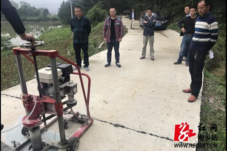 交通局:开展2018年自然村通水泥路工程质量安全检查