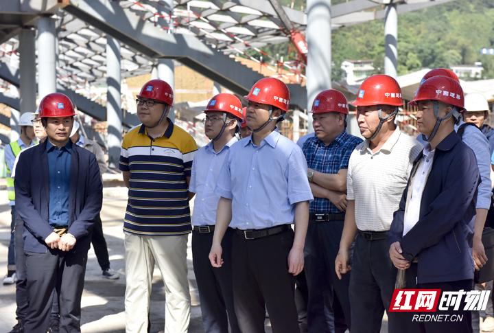虢正贵:加快推进黔张常铁路建设 让人民群众早日享受建设成果