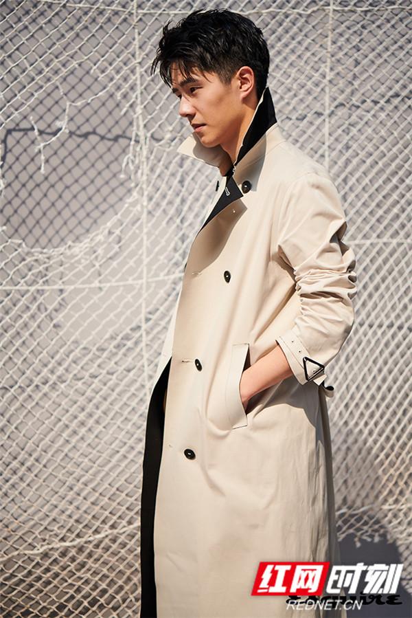 2019年三月以来,刘昊然已经收获《嘉人》六月刊、《VOGUEME》四月刊、《ELLEIDOL》创刊号、《芭莎男士》双封、《男人风尚LEON》《男人风尚LEON young》双刊三封、《时尚先生》六月刊在内的六本杂志封面。
