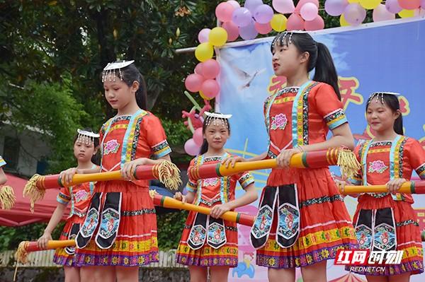 特色鲜明的瑶族长舞蹈。