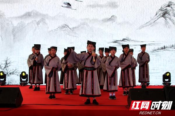 """端午近 粽香飘 文化传承与文明提升""""两不误"""""""