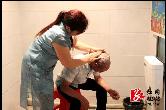 时隔1年半,老刘终于可以好好洗个头了!