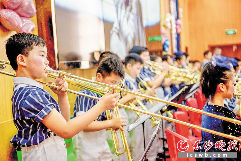 小学生举办专场音乐会