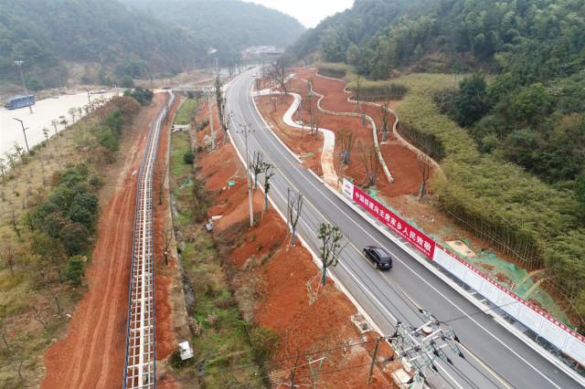 韶山市旅游主干道提质改造完工并通车。通讯员 田尧江摄