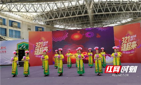 快乐老人大学参加湖南娱乐频道录制活动