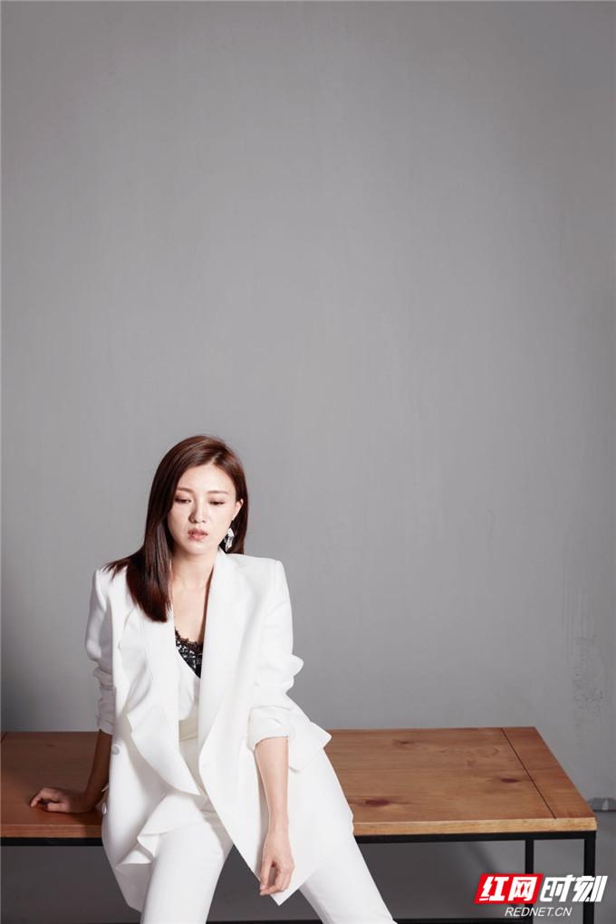 傅晶,1977年3月19日出生于湖北省武汉市,中国内地女演员,毕业于中央戏剧学院。