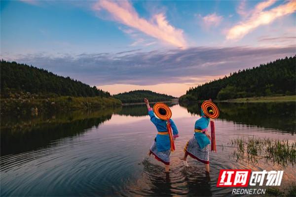 """南方天池:溆浦雪峰山巅的""""天上湖"""""""