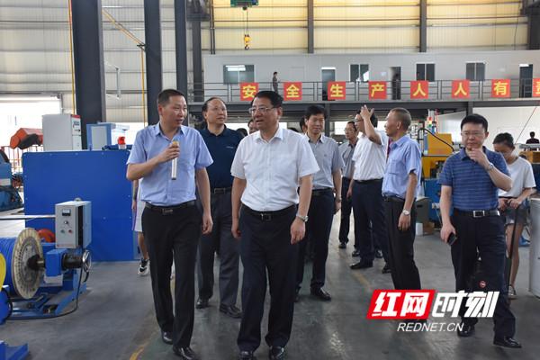 调研组一行参观湖南三湘电线电缆有限公司。.jpg