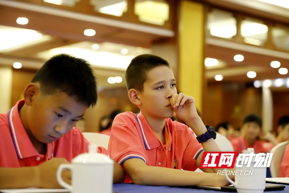 120 overseas Chinese teens seek Chinese roots in Hunan