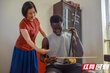 留学生喜欢中国文化 连续两年参与非遗调研