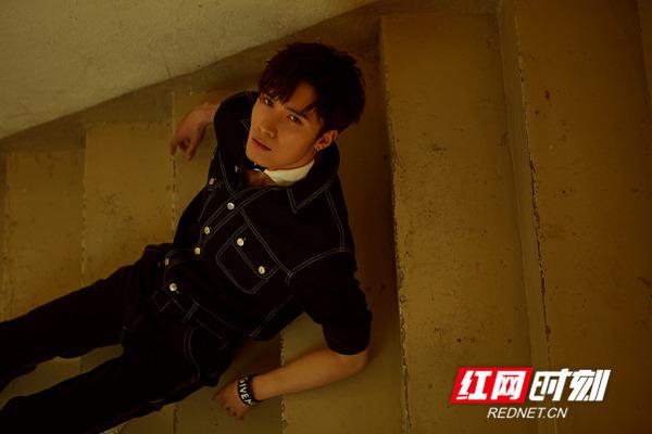 红网时刻7月15日讯(记者 胡弋)7月12日,演员刘海宽曝光了一组写真大片。