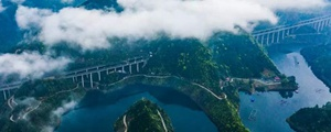 我和我的家乡 | 火车拖来的怀化城