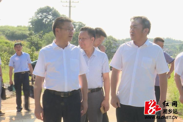 周俊文到毛田现场办公:抓实三大攻坚战 推动乡村全面振兴
