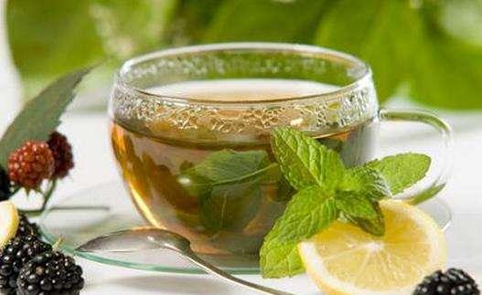 红茶、绿茶,谁是真正的养胃茶?