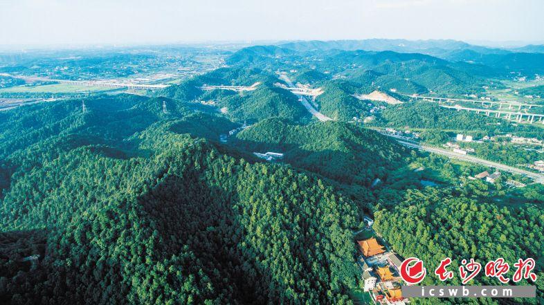 作为长株潭三市的重要生态屏障,保护好长株潭生态绿心是三地一体化发展的重要内容。资料图片