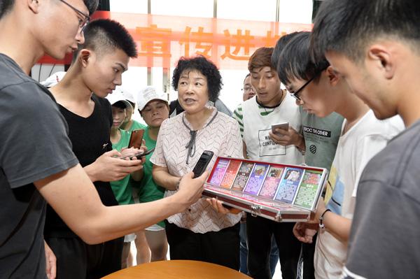 张国庆:社区的铁娘子 群众的贴心人