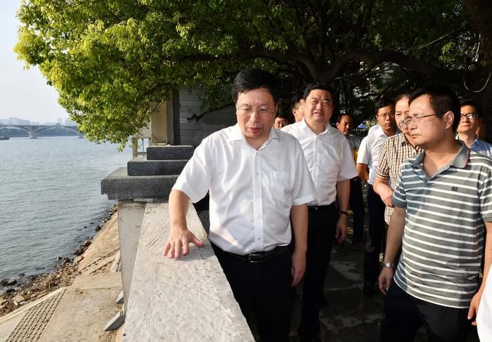 胡衡华调研城市环境综合整治工作