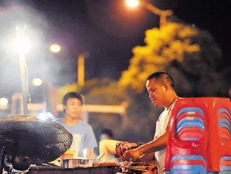 被挤爆也要去吃,长沙的这5条夜宵街,好吃!