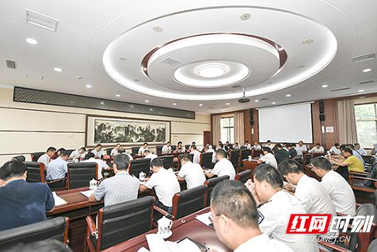 市委常委会召开会议 传达贯彻习近平总书记重要讲话精神