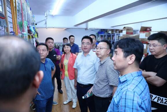 长沙市应急管理局局长胡春山调研高桥大市场安全生产工作
