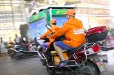 长沙大学生暑期兼职骑手 超七成选择边打工边旅行