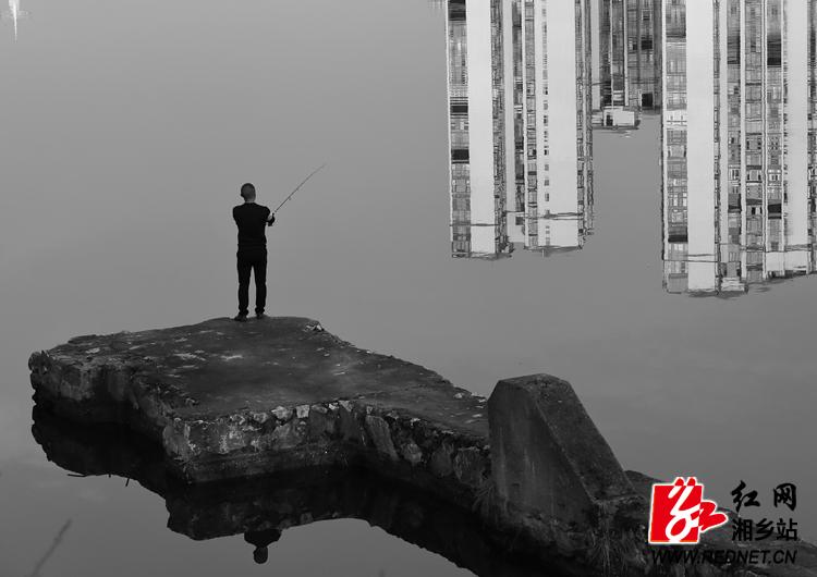 摄影作品《钓》入选国展 系62年来首次