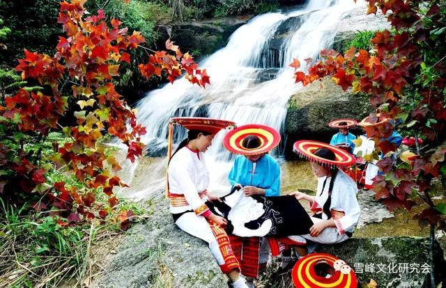 雪峰山大花瑶景区:保护与弘扬花瑶挑花的时代意义