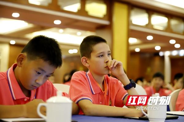 120 overseas Chinese teens seek Chinese roots in Hunan