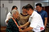 昨日重阳节,湘乡多种形式开展爱老敬老活动