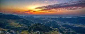 神奇紫鹊界:山有多高水有多高