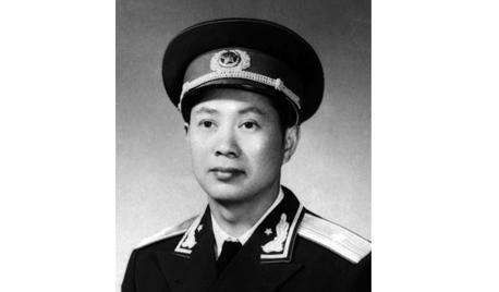 开国少将潘世征