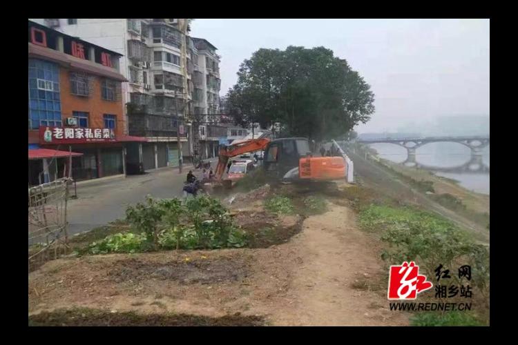 昆仑桥街道:开展涟水河堤非法菜地整治行动