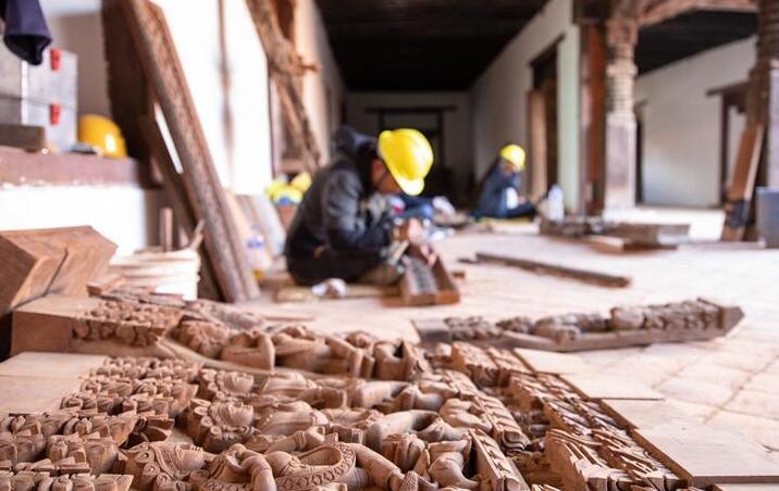 通讯:尼泊尔工艺家和中国文物修复师的历史之约
