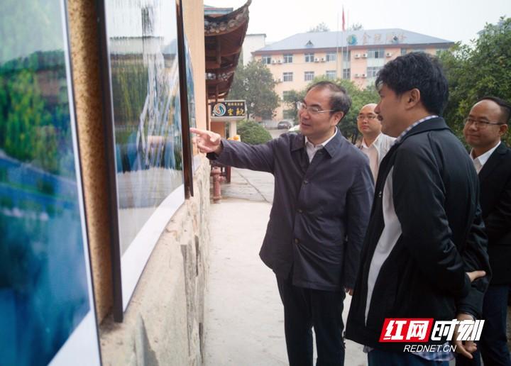 刘革安调研大鲵产业项目时强调:发挥资源优势 做强大鲵产业
