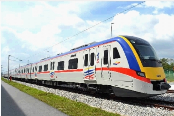 中车株机出口马来西亚的动车组。