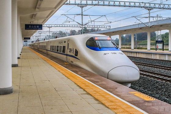 Qianjiang-Zhangjiajie-Changde Railway Starts EMU Test