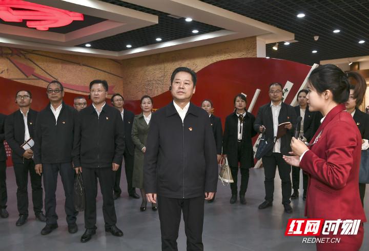 市委办直属机关第一支部委员会举行换届选举大会暨主题党日活动