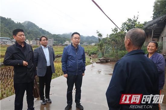 桑植:刘卫兵到乡镇调研脱贫攻坚工作