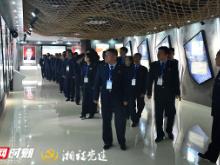 平江县税务局赴岳阳监狱开展廉政警示教育活动