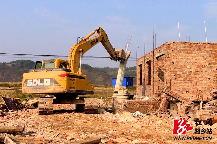 保护基本农田 壶天镇3处违法建筑被依法拆除