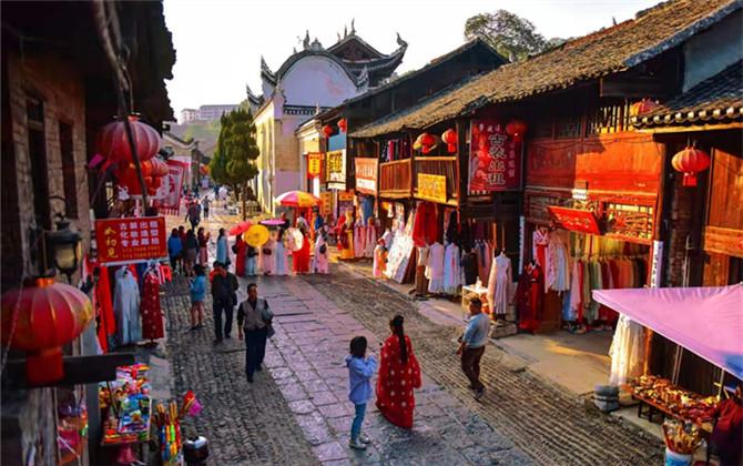 紅圖丨這個古城的漢服一條街 成閨蜜約拍勝地