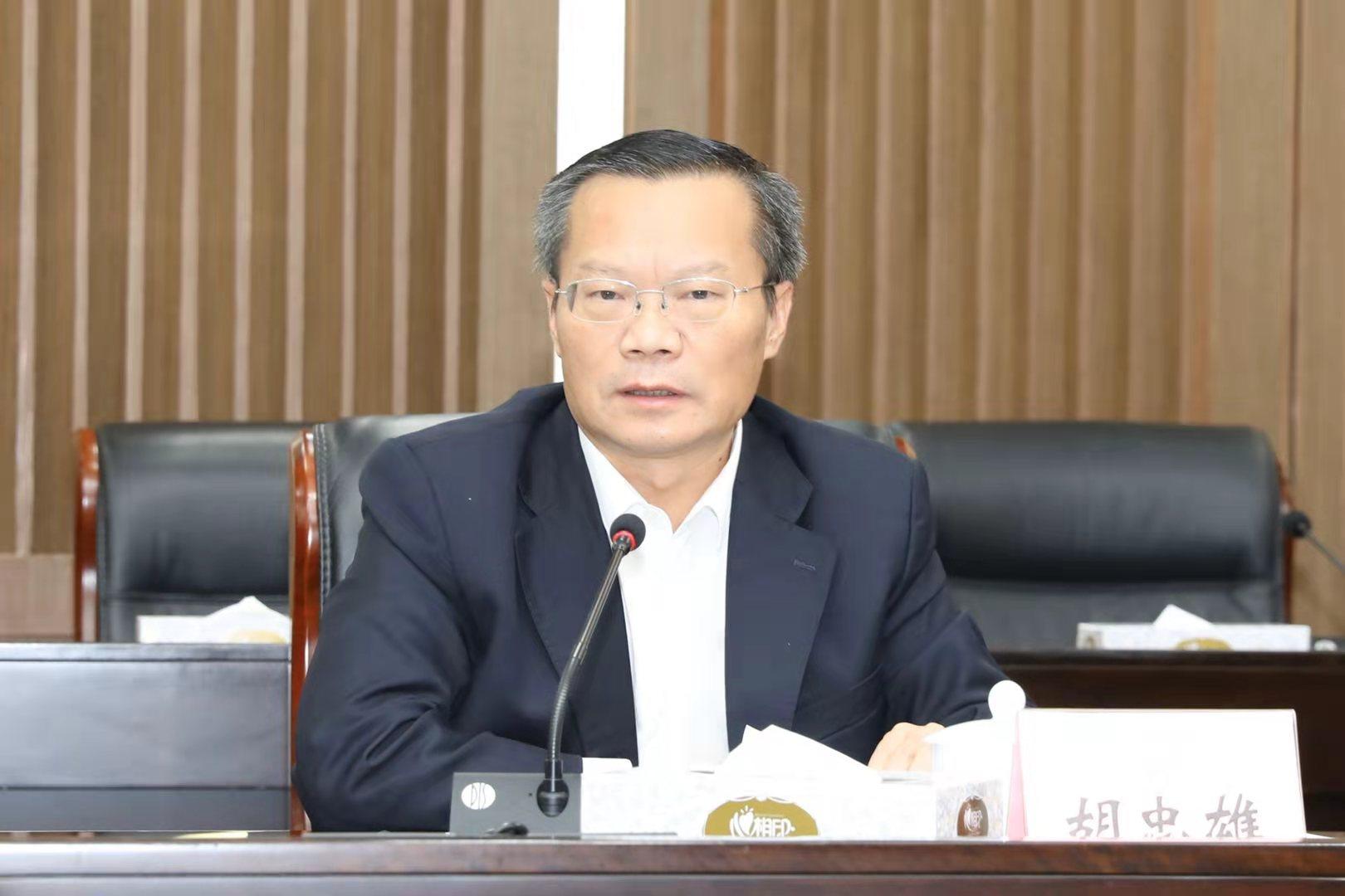 胡忠雄肯定全市营商环境优化工作有进步、有发展。