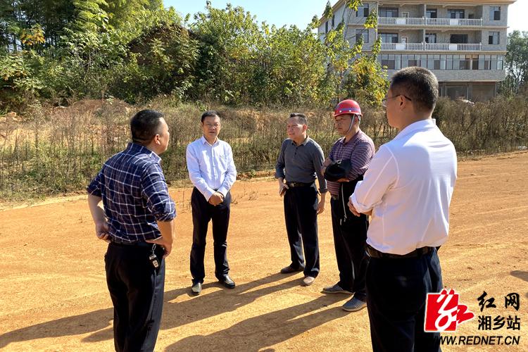 周俊文视察G320绕城线湘乡段:抢抓晴好天气 全力推动项目建设