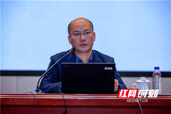 湖南教育出版社胡旺介绍湘教版高中数学教材配套资源。
